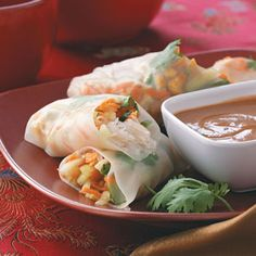 Asian Spring Rolls - made with homemade Hoisin sauce and I used Soba noodles instead of rice noodles. Appetizer Dishes, Appetizer Recipes, Italian Appetizers, Dip Recipes, Recipies, Dinner Recipes, Vegetarian Spring Rolls, Vegetarian Food, Peanut Dipping Sauces