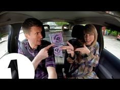 """This is what happens when Taylor Swift is riding shotgun and """"Blank Space"""" comes on 