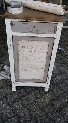 Comodino rinnovato con #vintagecream e #vintagebrown della gamma #VintagePaint Da rubare subito! #vintagechepassione