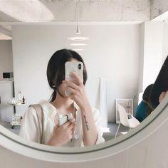 Aesthetic Women, Aesthetic People, Korean Aesthetic, Aesthetic Colors, White Aesthetic, Aesthetic Photo, Rainbow Aesthetic, Aesthetic Girl, Aesthetic Pictures