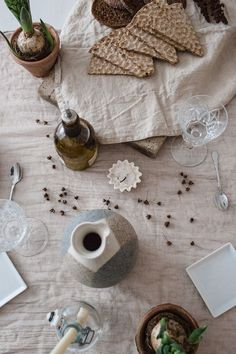 My Friday started with planning this weekend tablesetting for our dinner. It was fun and really I can resonate with the muted tones and earthy feeling. Nellaino - a lifestyle blog