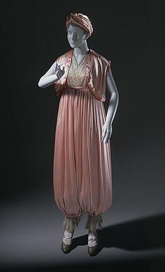 1911-1913 Lounging Pajamas by Callot Soeurs.