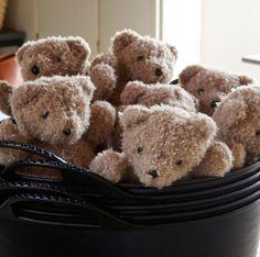 The New General Store: oatmeal bears are back Teddy Bear Hug, Cute Teddy Bears, Tatty Teddy, Love Bear, Cuddling, Little Ones, Cute Animals, Childhood, Dolls