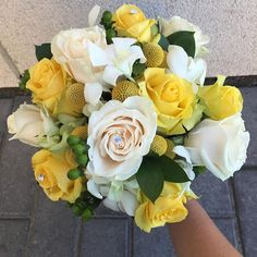 #yellow #friend #wedding #bouquet #love #happy #happiness #interior #design #florale #peace #light #designer #flower #adore #white #rose #nature #natural #color