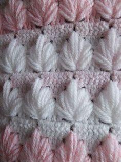 Crochet clusters   best stuff Wow! What a beautiful free crochet pattern! Love this.* ༺✿ƬⱤღ  https://www.pinterest.com/teretegui/✿༻