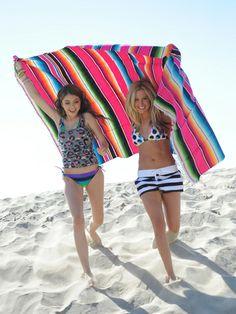 Sarah Hyland and Ashley Tisdale