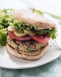 Got chickpeas you don't know what to do with, or perhaps you're simply a big fan of falafel? Then peep this enticing roundup of 50 vegan falafel recipes! Vegetarian Recipes, Cooking Recipes, Healthy Recipes, Vegetarian Cooking, Vegetarian Barbecue, Healthy Dinners, Free Recipes, Cooking Tips, Bagels