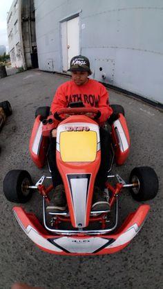 Jonny, gocart, raket 85, broslo Fun Stuff, Racing, Vehicles, Board, Sports, Fun Things, Auto Racing, Excercise, Cars