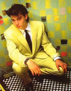 "Sexy as hell Johnny Depp rockin"" a yellow suit. In the men weren't afraid of a little color. Young Johnny Depp, Here's Johnny, Johnny Depp Movies, The Brave Johnny Depp, Johnny Depp Wallpaper, Yellow Suit, Mellow Yellow, Junger Johnny Depp, Hollywood Icons"