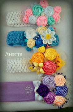 Like this with a lace headband ! How To Make A Ribbon Bow, Diy Ribbon, Ribbon Crafts, Ribbon Bows, Fabric Crafts, Diy Hair Bows, Diy Bow, Cloth Flowers, Fabric Flowers