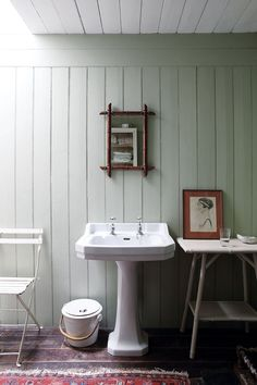 A restored fishing lodge in Scotland - Small Home Inspiration. Escape to this secluded Scottish fishing lodge on HOUSE - design, food and travel by House & Garden. Home Decor Kitchen, Home Decor Bedroom, Living Room Decor, Scottish Cottages, Interior Simple, Style Anglais, Charming House, Cottage Interiors, Cottage Homes