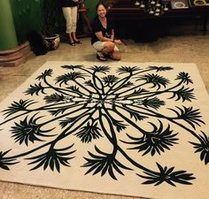 Hawaiian Quilt Patterns, Hawaiian Quilts, Silky Touch, Custom Quilts, Kona Cotton, Pattern And Decoration, Applique Quilts, Quilt Blocks, Animal Print Rug