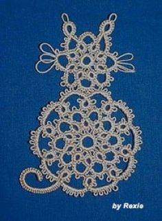 """""""Tatted Cat"""" from McCall's Needlework Fall-Winter by Carolyn Groves Needle Tatting, Tatting Lace, Sewing Baskets, Crochet Cross, Tatting Patterns, Bobbin Lace, Old Art, Rug Hooking, Pin Cushions"""