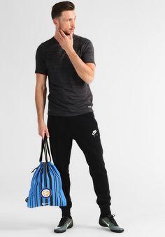 ¡Consigue este tipo de bolsa de deporte de Nike Performance ahora! Haz clic  para f6e0111b64bbc