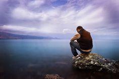 Lost in Thoughts Her yalnız adamın, bir denize kıyısı vardır. TURGUT UYAR