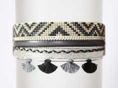 MANCHETTE brésilienne / TISSÉ PERLES MIYUKI / BRACELET BRESILIEN / Argent Gris et Noir : Bracelet par tadaam