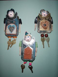 Altoid tin dolls. Could use matchboxes with j Japanese doll heads