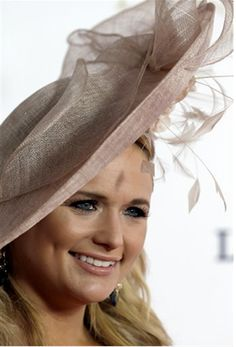 bff4fc5c995 Miranda Lambert at the Kentucky Derby 2013 wearing Giovannio Hat Kentucky  Derby Fashion