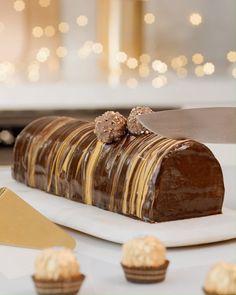 La bûche de Noël Ferrero Rocher - The Best For Dinner Families Recipes Easy Chocolate Desserts, Chocolate Cake Recipe Easy, Chocolate Chip Recipes, Easy Desserts, Easy Homemade Cake, Homemade Cake Recipes, Homemade Donuts, Quick Dessert Recipes, Easy Cookie Recipes
