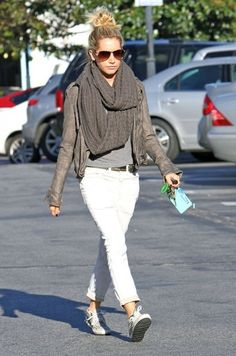 Ashley Tisdale Stopping At Starbucks In Los Angeles