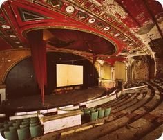 love old theaters