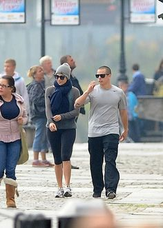 Jennifer Lopez and Casper Smart running around the Old Town of Gdansk, Poland. #workout #sneakers #gym #style #clothes #celebrity #running