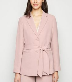 5 Ways to Look Modern in Office Lady Dress Over 30 - Chicute Office Wear Dresses, Office Dresses For Women, Revere Collar, Pink Suit, Office Ladies, Blazers For Women, Black Belt, Wearing Black, Pale Pink