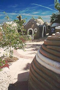 EarthBag Homes - you're standing on the building materials. Natural Building, Green Building, Earth Bag Homes, Earthship Home, Eco Buildings, Dome House, Cabins And Cottages, Beautiful Inside And Out, Building Materials