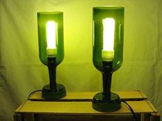 Lámpara de pie de botella de vidrio reciclada