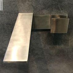 TreemmeEinhebel-Waschtisch-Wandarmatur 5mm   Design OCO Studio   superflacher Auslauf