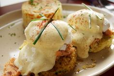 Eggs Benedict, Snooze AM Eatery.
