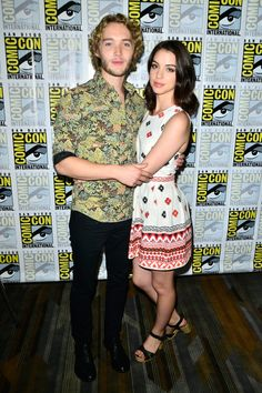 Pin for Later: See All the Stars at Comic-Con! Reign's Adelaide Kane and Toby Regbo stayed close on Thursday.