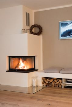Fireplace insert VISIO , Fireplace insert VISIO A clear view of the fire at all times with a VISIO from Attika. Thank you very much for the photo: www. Home Fireplace, Fireplace Design, Home Living Room, Living Room Designs, Japanese Home Decor, Fireplace Inserts, Farmhouse Interior, Elegant Homes, Sweet Home