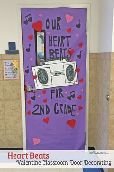 27 Creative Classroom Door Decorations for Valentine's Day Your one stop shop for the best Valentine's Day Classroom Door Decorations! You'll find the cutest ideas for door decorating here. Class Door Decorations, Classroom Decor Themes, Classroom Door, Diy Decoration, Classroom Ideas, Teacher Doors, School Doors, Creative Class, Valentines