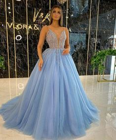 Pageant Dresses For Women, Prom Dresses Blue, Formal Dresses, Lace Evening Dresses, Lace Applique, Body Shapes, Ball Gowns, Tulle, Elegant