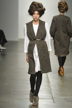 A Detacher - sleeveless coat