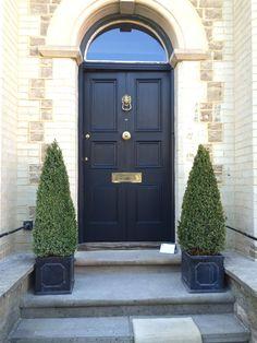 Ideas dark front door colors farrow ball for 2019 Front Door Entrance, Exterior Front Doors, House Front Door, Front Door Decor, Entry Doors, Exterior Paint, Front Door Design, Front Door Colors, Front Door Farrow And Ball