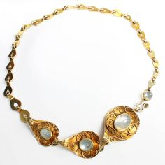Rare 1930s Elisabeth Treskow Moonstone Gold Necklace. A very chic moonstone and gold necklace by Elisabeth Treskow. The necklace has granular gold carvings around the moonstones in the center, which was one of Treskow's creations and characertistics of her jewellery that she individually created for her clients.
