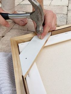 Diy Canvas Frame, Frames For Canvas Paintings, Framing Canvas Art, Framed Canvas, Diy Wall Art, Diy Art, Cadre Photo Diy, Marco Diy, Cuadros Diy