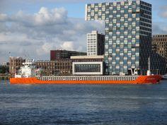 Thuishaven Woudsend 20 oktober 2015 t.h.v de Lloydkade in Rotterdam ging afmeren aan de Parkkade http://koopvaardij.blogspot.nl/2015/10/thuishaven-woudsend.html