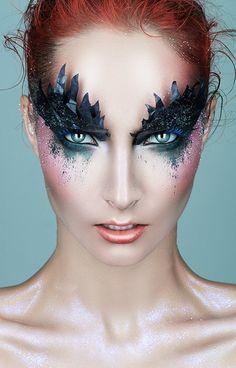 Halloween eye makeup - awesome look!