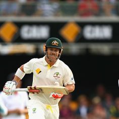 Broad looks on as Warner racks up the runs - England's Stuart Broad watches David Warner of Australia run between the wickets during day two of the first Ashes Test at the Gabba on November 22, 2013 in Brisbane. Getty Images: Cameron Spencer