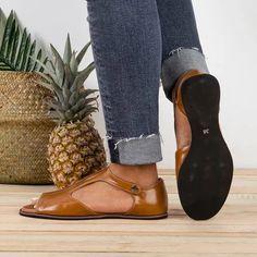 Justfashionnow Vintage Black Flat Peep Toe Slip-on Sandals Plus Sizes Block Sandals, Strap Sandals, Women's Shoes Sandals, Flat Sandals, Leather Fashion, Fashion Shoes, Fashion Outfits, Peep Toe Flats, Black Flats