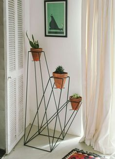 Love this planter holder
