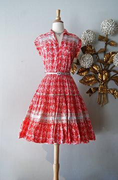 50s Dress / Vintage 1950's Red Western Squaw by xtabayvintage, $98.00 1950s Inspired Fashion, 1950s Fashion Women, Retro Fashion, Vintage Fashion, Vintage Style, Women's Fashion, Vintage Dresses 50s, 50s Dresses, Cute Dresses