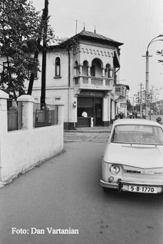 Sophia Loren, Old Pictures, Old Houses, Romania, Geography, Vintage Photos, Street View, Earth, Memories