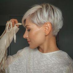 Pixie Cut Wig, Blonde Pixie Cuts, Fine Hair Pixie Cut, Platinum Blonde Pixie, Blonde Pixie Haircut, Best Pixie Cuts, Short Pixie Haircuts, Pixie Hairstyles, Undercut Hairstyles