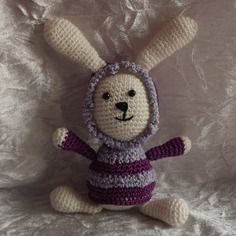 Lapin blanc,  violet et parme en crochet, amigurumi