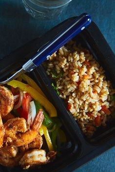 Shrimp, zesty chipotle salsa, and Spanish-style rice. Need we say more about our Shrimp Fajita?