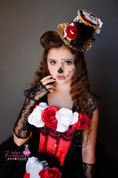 Dia de los muertos Halloween costume in black red and white image 3 Cool Halloween Makeup, Halloween Diy, Halloween Decorations, Halloween Costumes, Divas, Jester Costume, Sugar Skull Art, Ladies Day, Costumes For Women